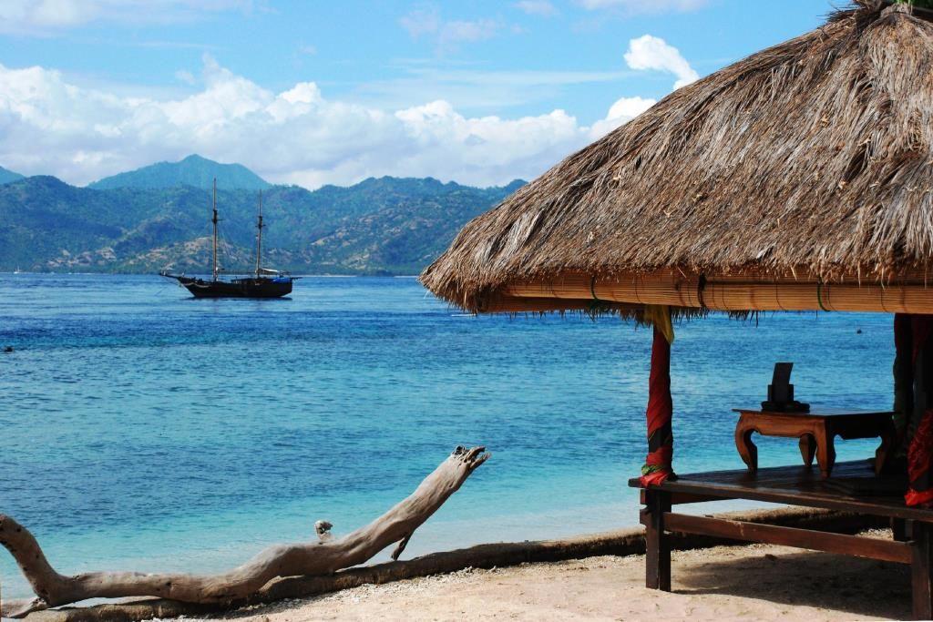 Lombok, Traveling